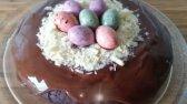 طرز تهیه کیک به شکل آشیانه پرنده با تخم مرغ های شکلاتی