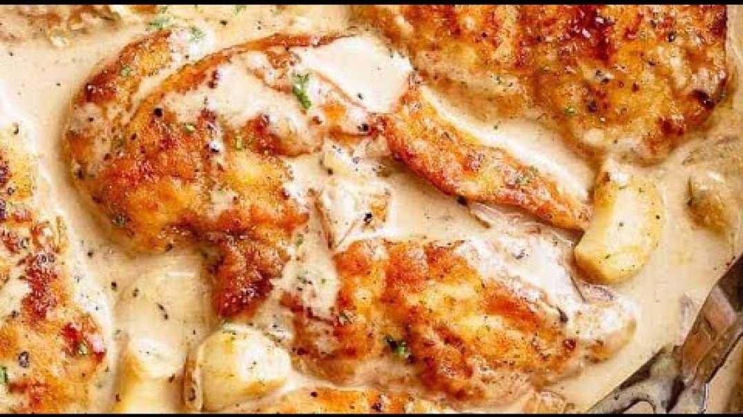 سینه مرغ با سوس پیاز و سیر و خامه